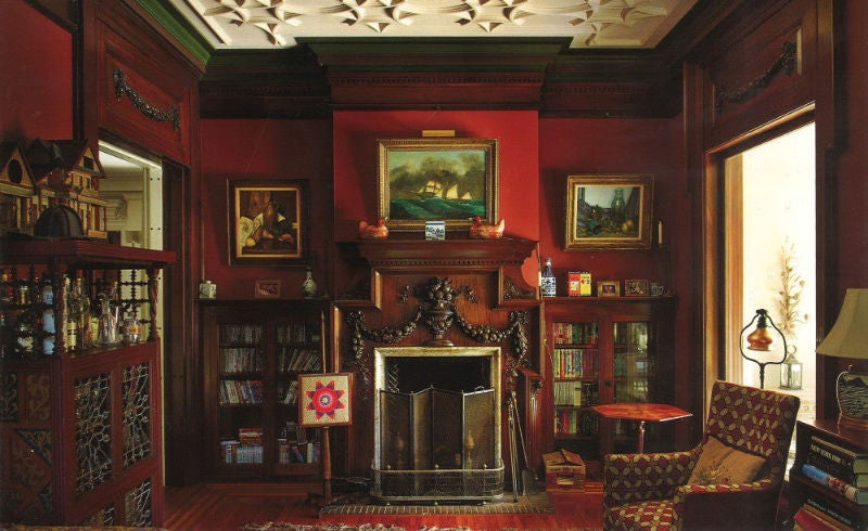 The Study, or Lounge as originally named. We can just see Rudolph Valentino or Greta Garbo popping by for a scotch